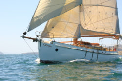 Sailing from Kettering and Barnes Bay, North Bruny